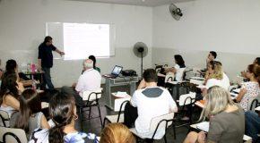 Profissionais do Cerest participam de capacitação sobre saúde do trabalhador