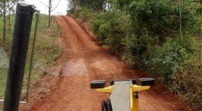 Estradas de Alagoas e de mais seis regiões de Patos de Minas recebem manutenção