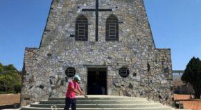 Capelinha de Pedra, no Santuário de Aparecida em Campos Altos, é restaurada