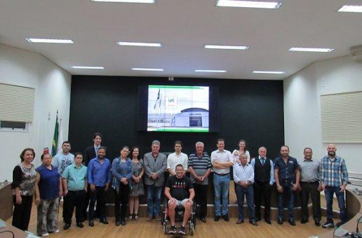 Câmara Municipal de Araxá se reúne com homenageados de 2019