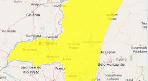 Novo alerta do Inmet prevê chuvas intensas com perigo potencial no Triângulo e Alto Paranaíba
