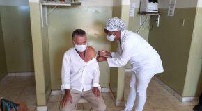 Motorista da área da saúde em Campos Altos é o primeiro vacinado contra Covid-19 na cidade