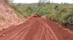 Manutenção de estradas vicinais de Campos Altos recebem manutenção