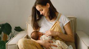 Suporte durante a amamentação é essencial para a mãe e para o bebê