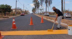 Reparos na sinalização das vias públicas acontece em Araxá