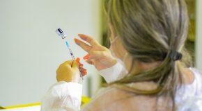 Araxá vacina adolescentes entre 12 e 17 anos com comorbidades nesta quarta-feira