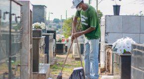 Cemitérios de Araxá são preparados para o Dia de Finados
