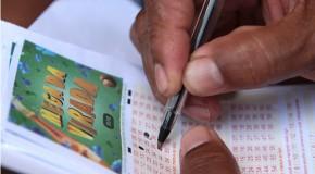 Mega da Virada atrai apostadores e loterias lotam em Araxá