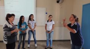 Uniaraxá oferece Curso de Libras para funcionários