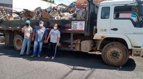 Casa de acumulador no Setor Oeste de Araxá passa por limpeza